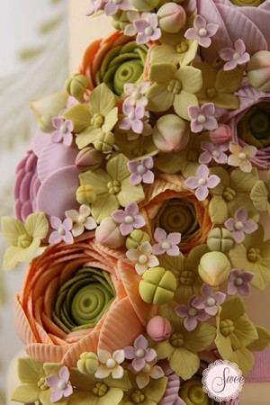 Spring wedding cakes, peach wedding cakes