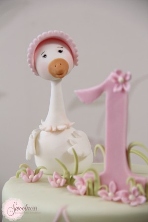 Mother goose cake, bespoke cakes London, Baby shower cakes London, 1st birthday cakes London