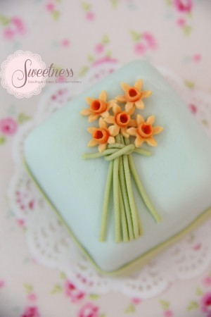 Summer wedding cakes London