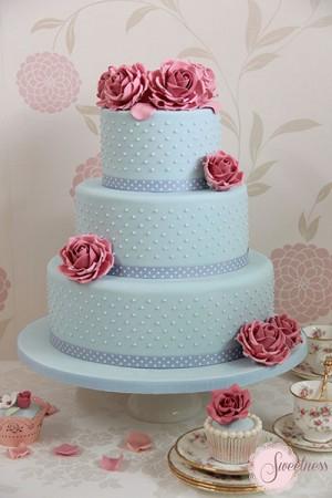 Blue wedding cakes, Vintage wedding cakes, Wedding Cakes London