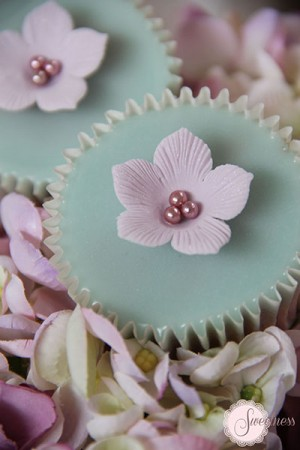 Wedding cupcakes London