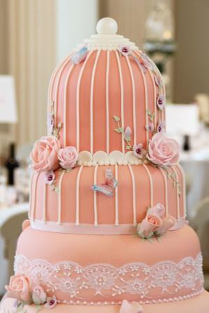Birdcage wedding cake detail